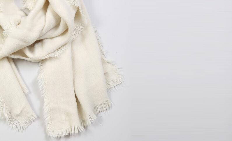 Effen sjaal gebroken wit