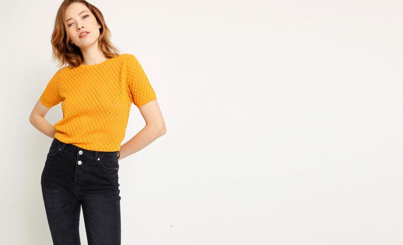 Shirt in opengewerkte stof geel