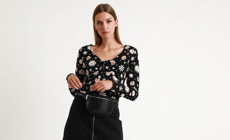 Shirt met bloemenprint zwart