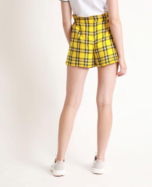 - Soepelvallende short met hoge taille. geel