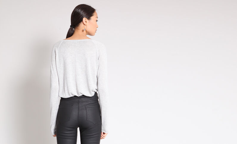 Pull fin gris perle
