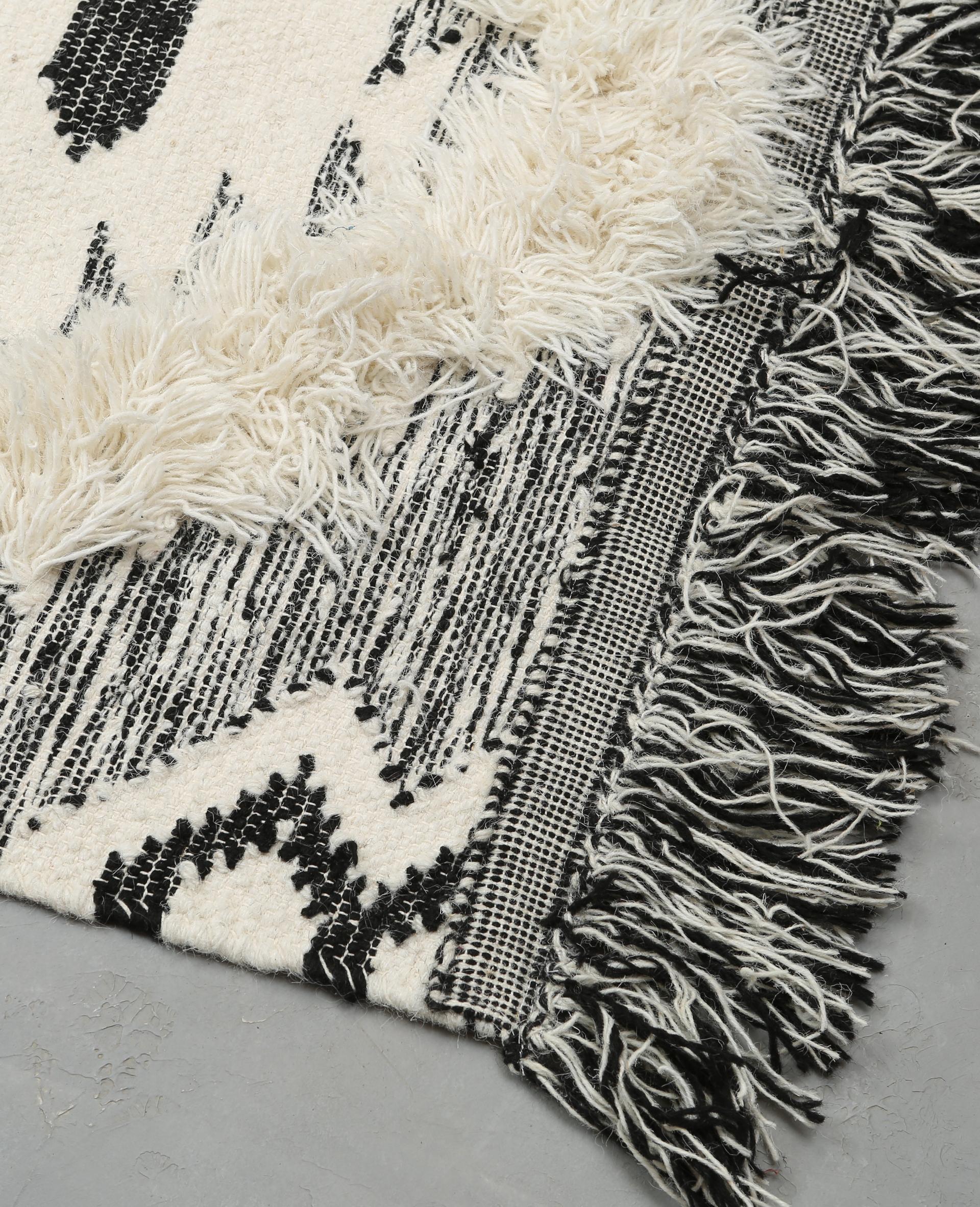 tapis coton tiss berb re noir 902998899f09 pimkie. Black Bedroom Furniture Sets. Home Design Ideas